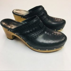 UGG | Vivica Black Leather Clogs Fur Lining Size 8